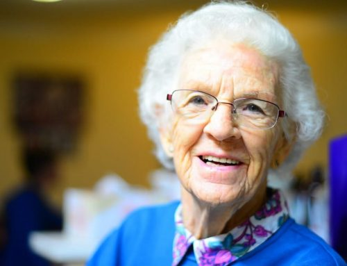 Vereinsamung durch Seniorenbegleitung stoppen
